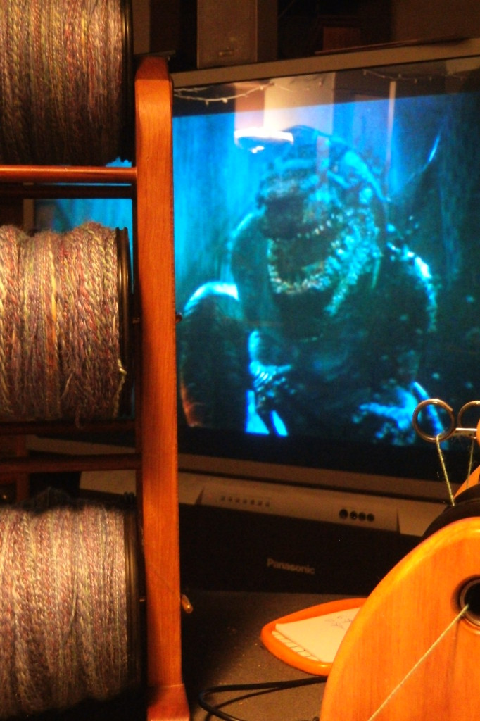 Monster SPINZILLA YARN VS Godzilla